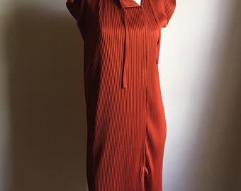 70s JOY STEVENS Simple Pleated Accordion Smock Dress