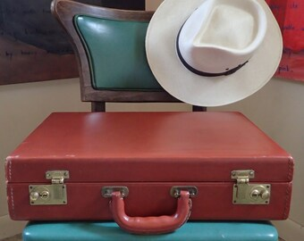 "Vintage 1960's MACY'S ""Kempton"" Leather Brief Case- Cowhide Attache Case in Great Condition + BONUS"
