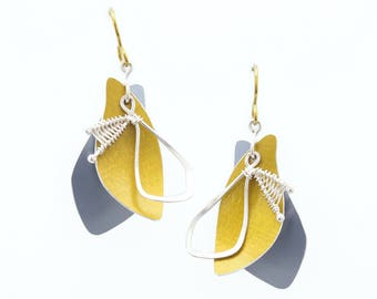 Sunbeam Shadows Earrings – Yellow and Grey Anodized Aluminum –made by Mandy Allen