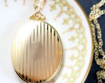 Large Oval Gold Filled Locket Necklace, Stripe Engraved Vintage Photo Pendant - Bold Gold