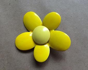 WEEKEND SALE ! vintage 1960's 60's mod yellow flower pin / brooch / jewelry
