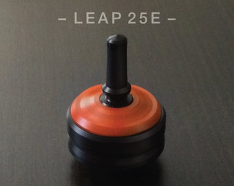 LEAP 25E ORANGE – Spin Top with integrated rubber grip and ceramic tip