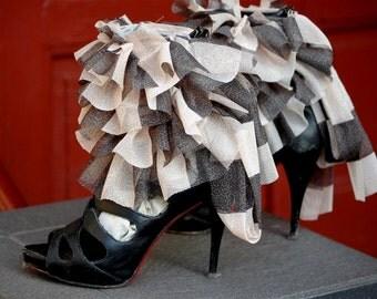 Steampunk spats, spats, ankle cuffs, shoe accessoires, victorian, Tim Burton, ruffle cuffs, striped cuffs, tatter punk, diva , drama, noire