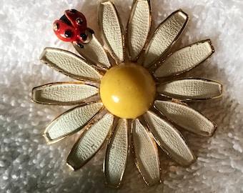 Weiss Enamel Daisy with Lady Bug Flower Power Brooch