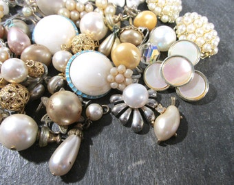 Assorted Pearl Jewelry VINTAGE Antique Modern Pearl Parts Repair 40 Rhinestone Pearl Earrings Vintage Wedding Jewelry Supplies (F115)