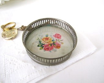 Vintage Trinket Dish Coaster Ring Holder 1940s from AllieEtCie