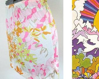 Vanity Fair Mod Mini Slip // 1960s Floral Half Slip