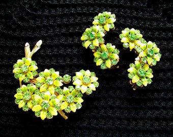 EARRINGS BROOCH SET. Lucite / Rhinestone. Earrings Pin Set. mint. 1950s. Demi Parure. green flowers. unusual Old Hollywood Glam