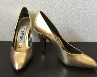 1960s style Gold Pumps - Size 6 1/2 Gold Retro Shoe - Pinup Shoe