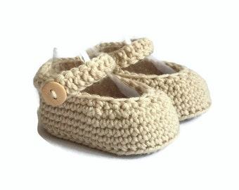 Beige Baby Shoes, Knitted Baby Shoes, Knit Baby Girl Shoes, Mary Janes, Crochet Baby Shoes, Merino Wool, Baby Gift, Warm and Woolly on Etsy