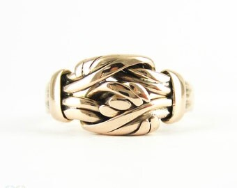 Antique Knot Ring, Victorian 9 Carat Rose Gold Intertwined Lovers Knot Design Band. Hallmarked Chester, 1890s.