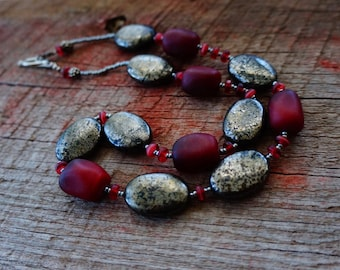 Vintage Red Glass Necklace, Hematite Necklace, Red and Black Jewelry, Rustic and Natural Jewelry, Statement Necklace, Boho Style,
