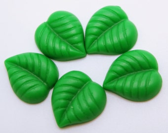 5PCS - Resin Leaf Cabochons - Green Leaf Cabs - 15x13mm - Flat Back Cabochons - DIY Crafts, Scrapbooking and Jewelry Supplies