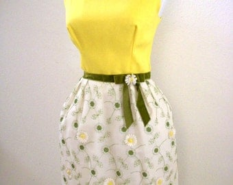 Vintage 60s Flower Power Prom Dress with Daisies - 1960s Hippie Maxi Party Dress - Yellow  White Boho Hippie Dress - Size Small to Medium