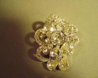 Vintage 1950s Weiss Signed Sparkling Rhinestone Pin Brooch Tiered Design 9002