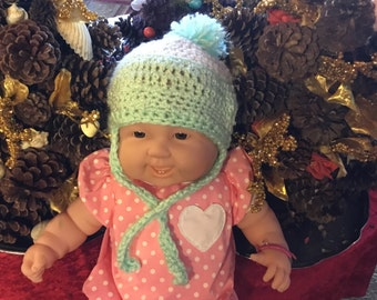 Hat for baby. Hand crocheted mint green.