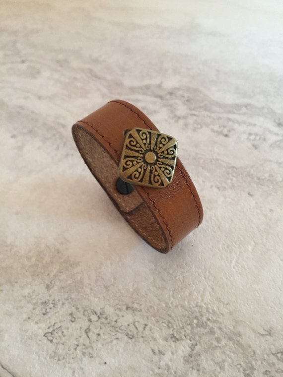 Women's Brown Leather Thin Bracelet with Charm (Size 6.0 inches)