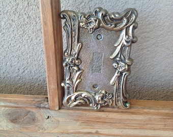 VINTAGE Brass Fancy Floral Single Switchplate Cover