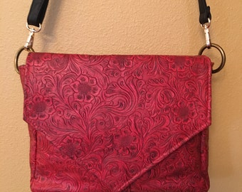 Becca #1541, Red Purse, Cross Body Purse, Purse, Cross Body Bag, Up Cycled Vinyl Purse, Shoulder Purse, Shoulder Bag, Purses, Small Bag, Bag