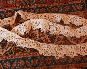 Darling Antique Irish Crocheted Lace Trim Scalloped Edging Doll Bear Clothing