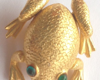 Vintage Mandle Frog Brooch Gold Tone Green Eyes
