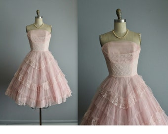 50's Prom Dress // Vintage 1950's White Pink Lace Shelf Bust Wedding Prom Dress Tea Gown XS