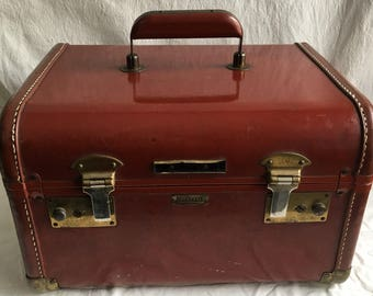Vintage train case  small luggage  make up case  mahogany luggage  towncraft train case