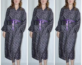 Vintage Purple and BlackPaisley Brocade Kimono Robe Bust to 48 Inches Uni Sex