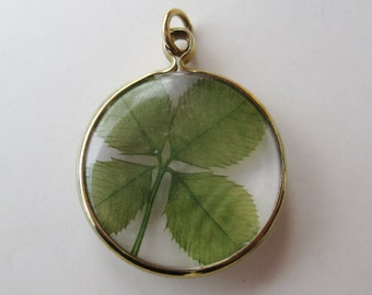 Vintage 40s Lucky Four Leaf Clover Embedded Lucite Good Luck Necklace Pendant