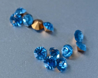 40  Vintage Czech New Old Stock Cornflower Blue 3.5 mm Rhinestone Round Chaton Pointed Foiled Back