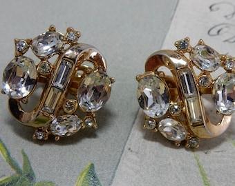 Vintage Gold Trifari Rhinestone Clip On Earrings    OY33