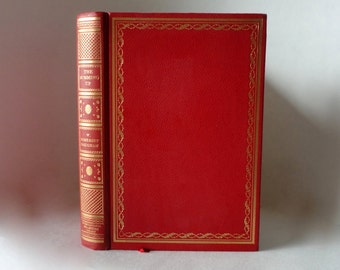 1938 THE SUMMING UP by W Somerset Maugham Hardcover Leather Red Gold Decorative Library Pretty Old Vintage Book International Collectors