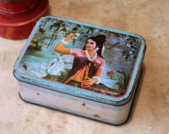 Tin Box Vintage Indian Storage Tin Beauty Box Treasure Keeper Letter Holder Gift Box Boho Chic Farm Rustic Box Stash Container Photo Prop