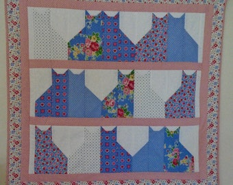 Kitty Quilted Wall Hanging, Cat Table Quilt in Blue and Pink, Quilted Table Runner, Floral Quilted Table Topper, Kitty Cat Table Quilt
