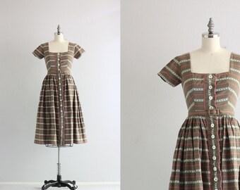 Vintage Day Dress . 50s Cotton Dress . Fifties Drindl Full Skirt Dress . Button Front Dress