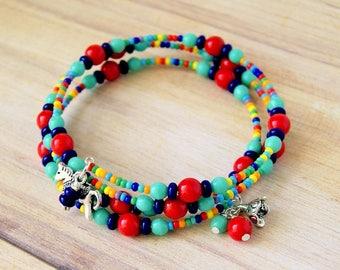 dala horse beaded charm bracelet, beaded bracelet, rainbow, colorful, boho, hippie, memory wire bracelet