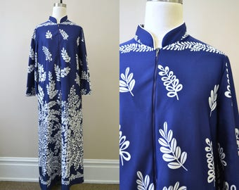 1970s David Brown Navy and White Branch Print Caftan