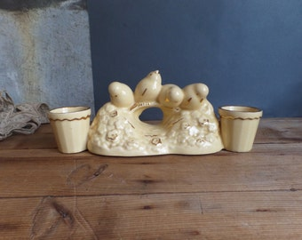 Vintage french 1940's centerpiece Easter time - Small birds - Pale yellow with gold highlight