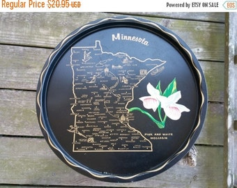 "Minnesota Round Black Serving Tray 1960 Retro 11"" Pink White Moccasin Flower"