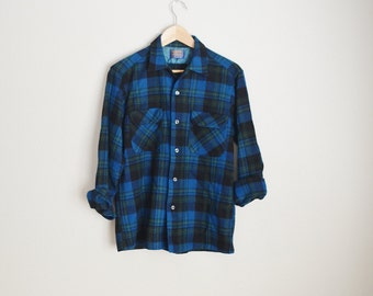 Vintage 60s 70s Blue Green Yellow Plaid Wool Loop Collar PENDLETON Board Shirt // mens medium