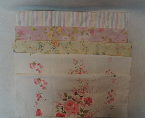 5 Vintage Print Pillowcases.. Floral, Roses & Stripe.. 1 Pair + 3 Singles