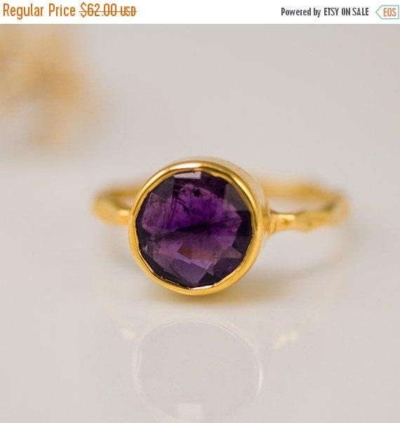 HOLIDAY SALE - Purple Amethyst Ring Gold - February Birthstone Ring - Gemstone Ring - Stacking Ring - Gold Ring - Round Ring
