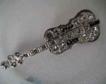 Paste Stone Studded Guitar Pin, Brooch, C Clasp