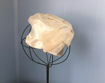 Vintage 1950s Off White Ivory Satin Ribbon Hat, Close Fitting Cocktail Style, for Refurbishing