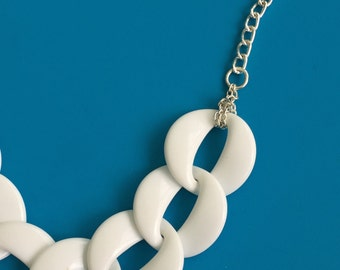 Vintage White Acrylic Chain Link and Silver Tone link necklace