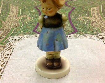 "Two Hands One Treat  ~ Hummel Figurine ~ 493 Mint in Box ~ 4"" ~ Club  Membership Gift 1992~ Reduced"