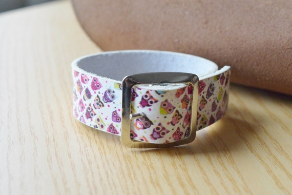 Owls bracelet,owls cuff,leather bracelet,leather cuff,wide cuff,kawaii bracelet,buckle cuff,bucke bracelet,printed leather,owls print