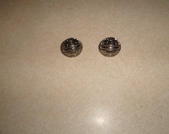 vintage clip on earrings silvertone embossed circles
