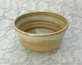 SUMMER SALE Fine Handcrafted Ceramic Bowl, medium size, beautiful glaze, vintage, like new