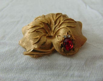 vintage mamselle signed insect on leaf pin gold plated red clear crystals